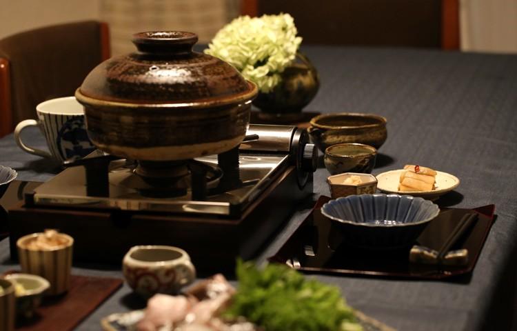 土鍋のある食卓 展示画像2