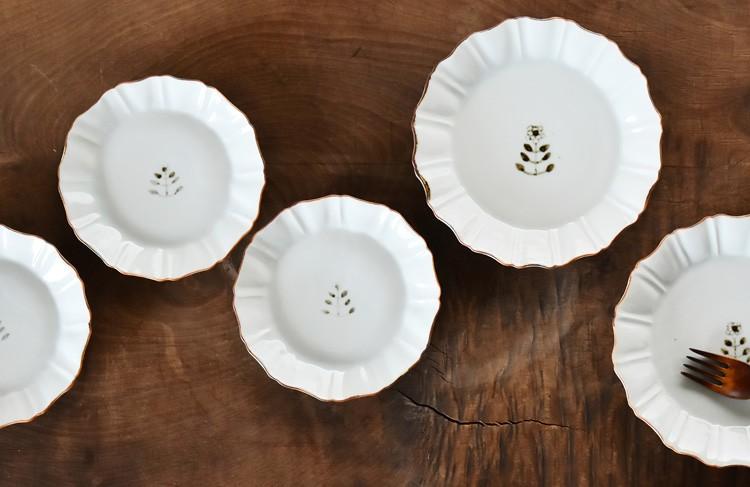 花文縁鉄菊形6寸皿
