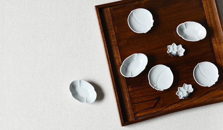 白磁桃形豆皿