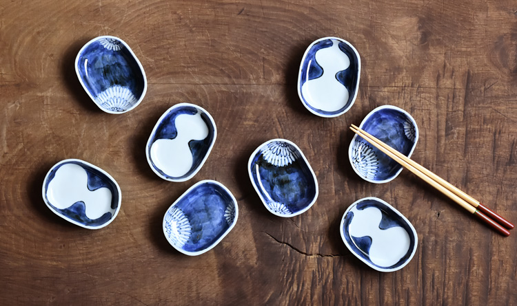 菊文楕円豆皿