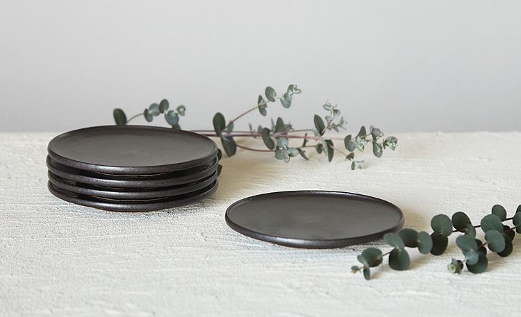 黒マット折縁4寸皿