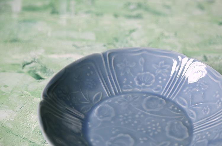 湖水釉陰刻蓮文6寸浅鉢