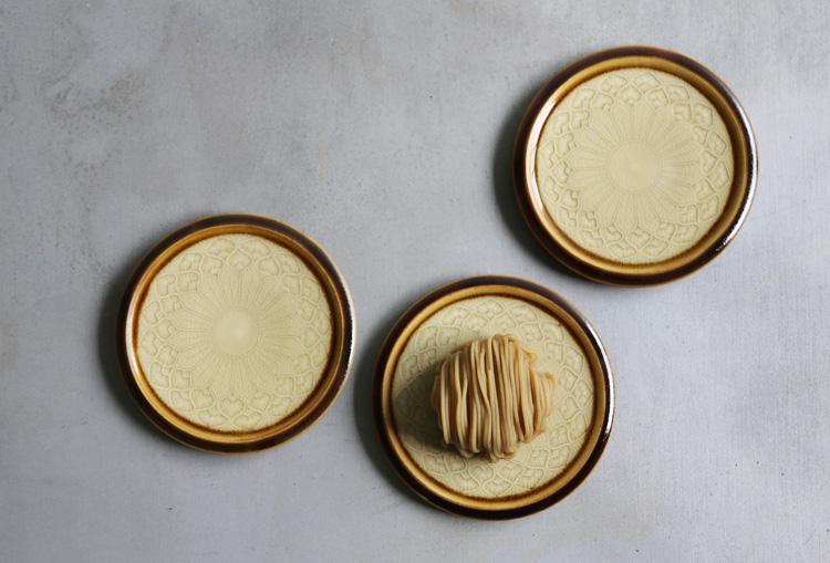 3 褐釉釉象嵌掛分け菓子皿(内キナリ)