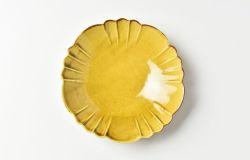 黄磁花形4.5寸皿