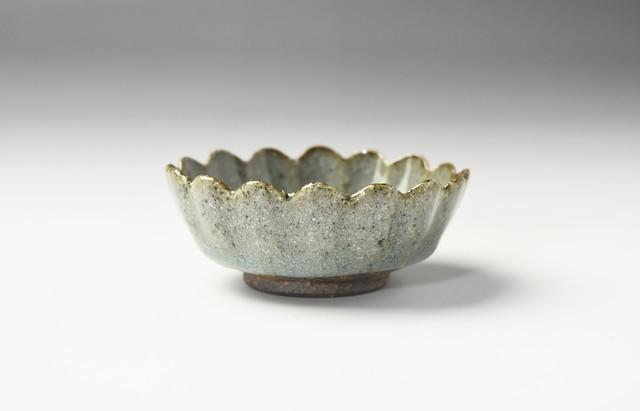 青灰釉輪花鉢(小)