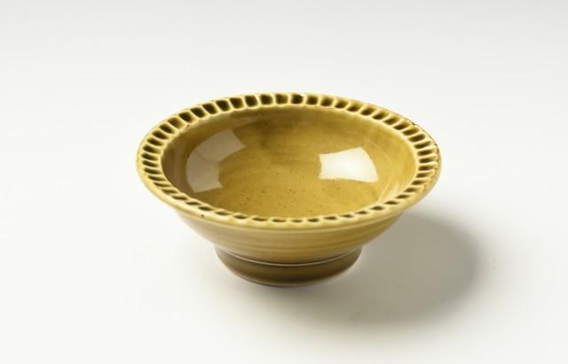 黄磁縁しのぎ3.5寸鉢
